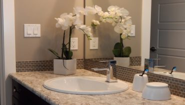 Natural methods for cleaning the bathroom