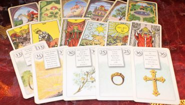 Difference Between Tarot Cards And Oracle Cards